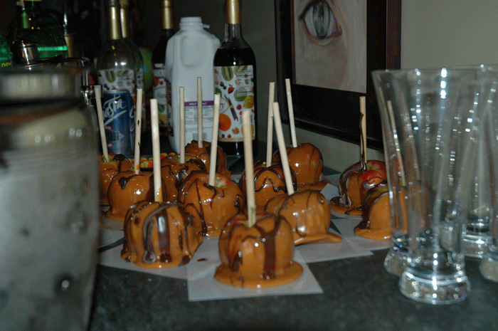 Nanette's caramel apples-1